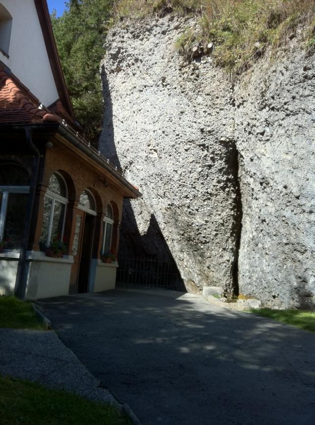 Kaplica św. Michała obok waginy Bogini