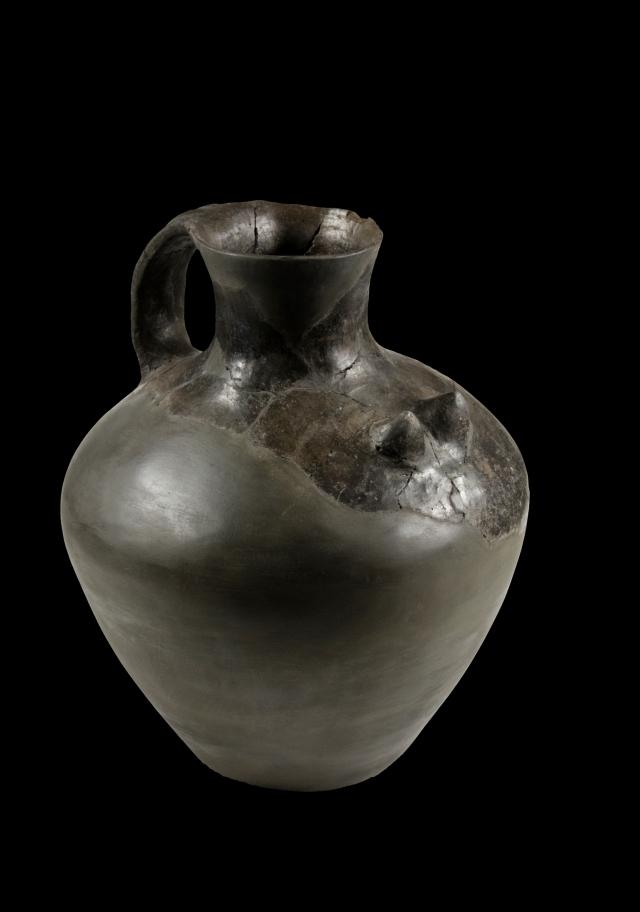 Te naczyniai już znamy, są dosyć powszechne, znajdziemy je również w Muzeum Archeologicznym w Warszawie